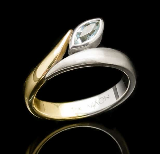 Gold Ring with Aquamarine and White Gold setting (GR73)