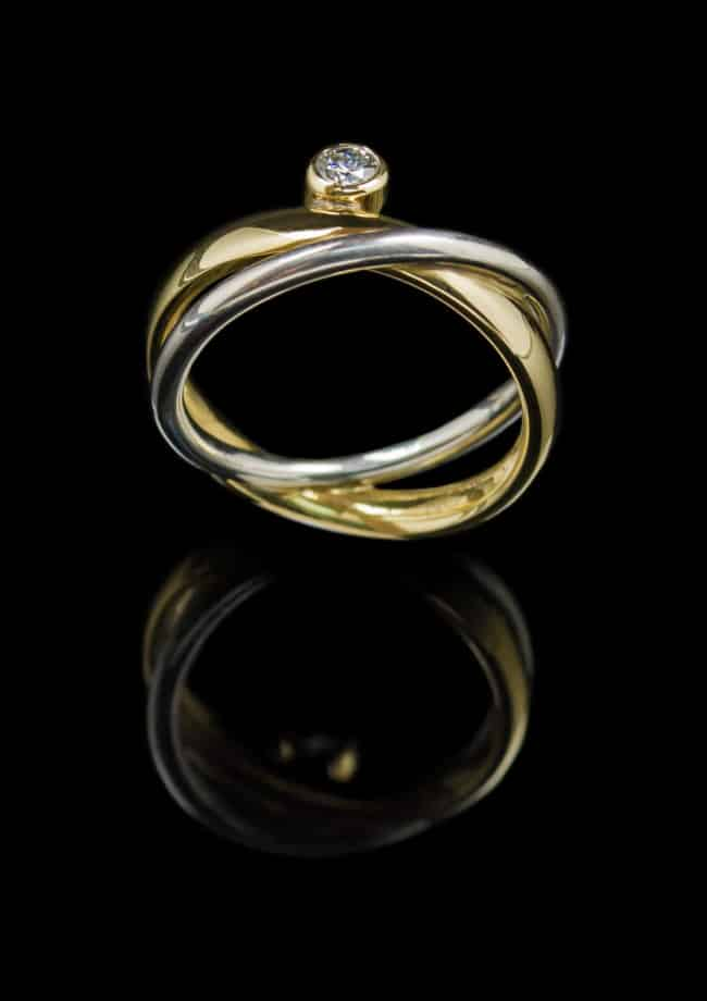 18k White & Yellow gold ring with 0.16ct Diamonds (GR70)