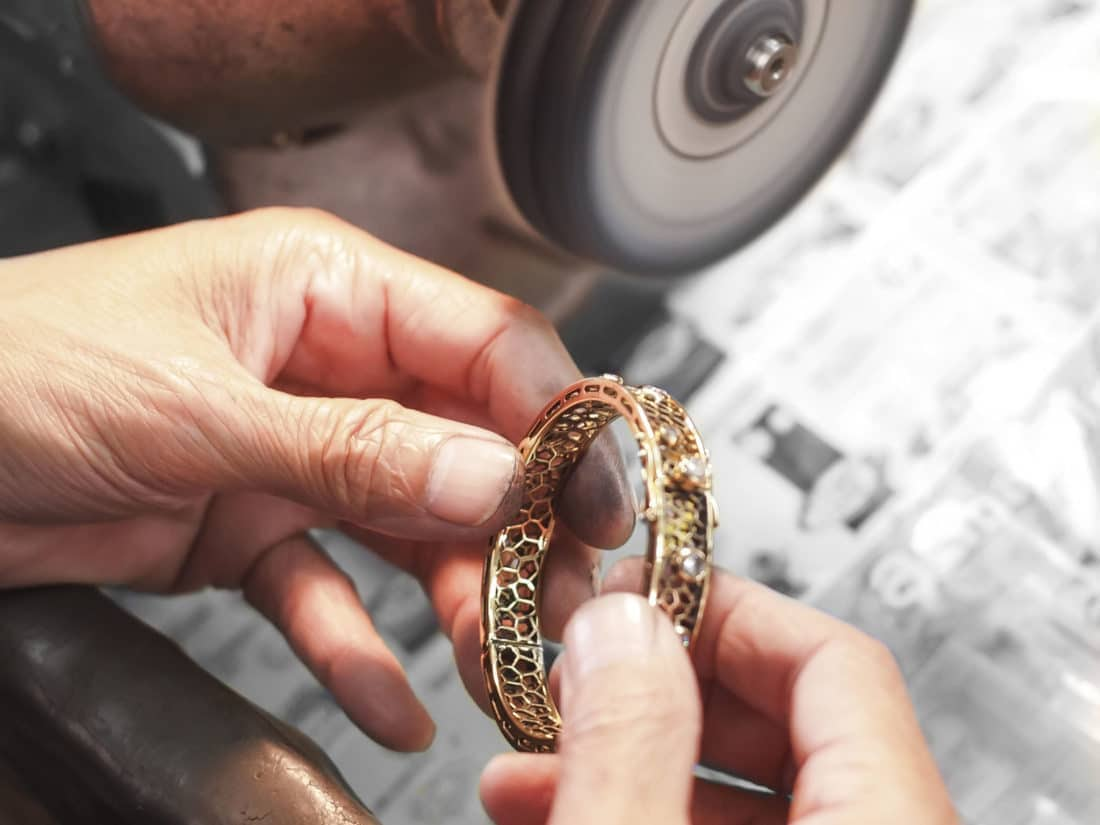 Gold diamond bracelet polishing